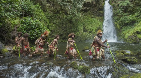 Papouasie-Nouvelle-Guinée, province de Hela, région de Ambua, tribu des Hulis, rituel d'initiation à l'école de la forêt
